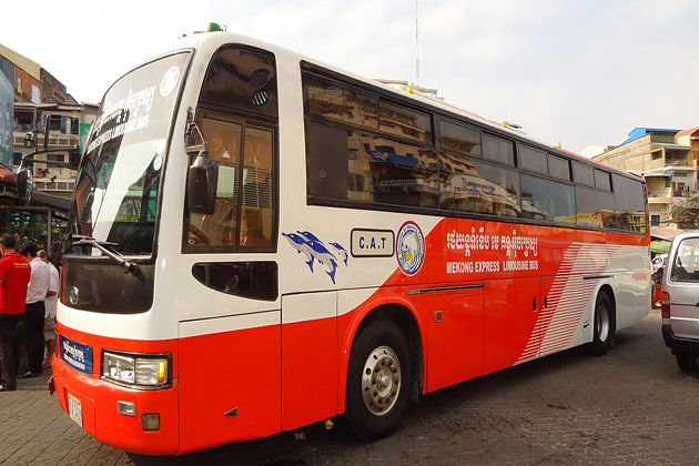 travel between vietnam and cambodia by bus