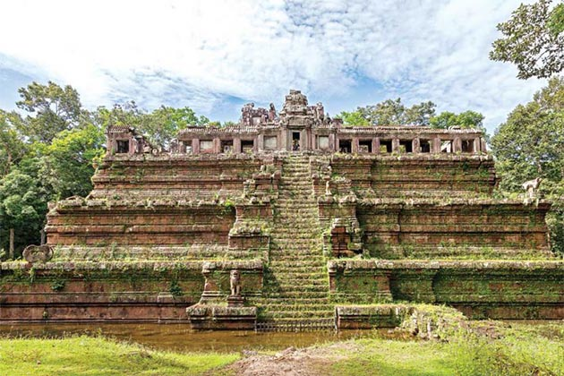 Angkor Thom in vietnam cambodia laos thailand package