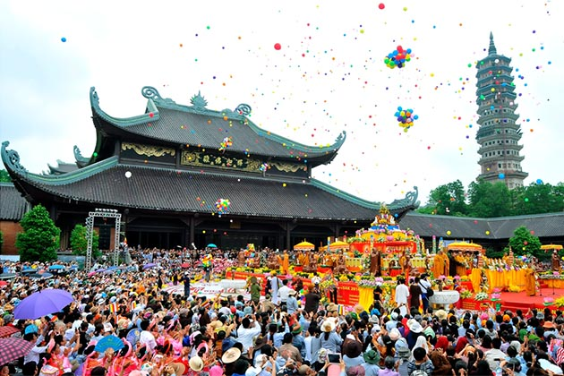 Bai Dinh Pagoda is one of the first kicked-off Vietnamese traditional festival