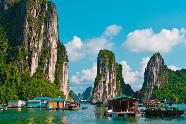 Spirit of Vietnam and Cambodia Tour - Halong Bay
