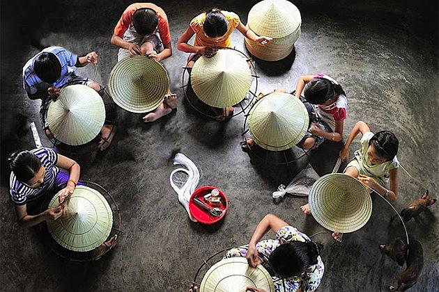 23 Days in Vietnam Camboida – Hue traditonal villages of making non la