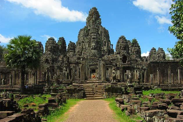 Angkor Thom Complex - Vietnam Cambodia Thailand Tour