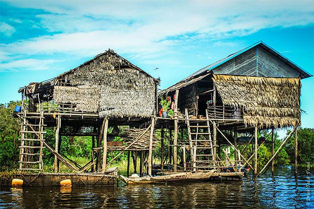 Kampong Phluk Floating Market – Cambodia Vietnam Tour