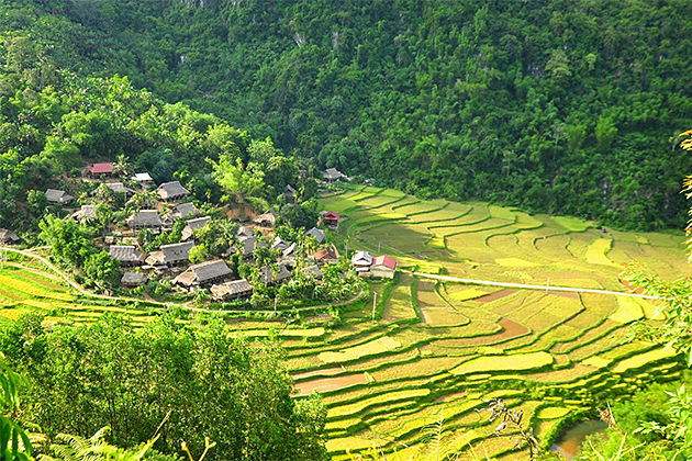 Kho Muong Valley Vietnam Cambodia Tours 23 Days