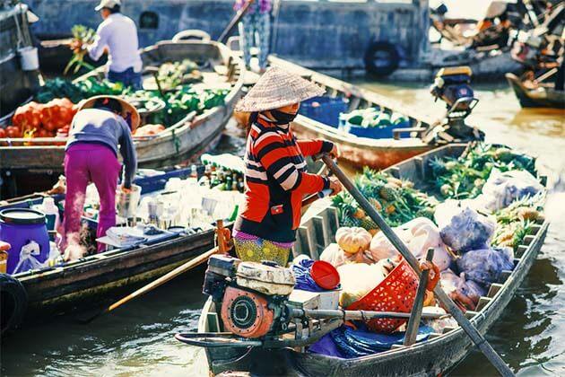 Colorful Cai Rang Floating Market - Vietnam Laos Travel 15 Days