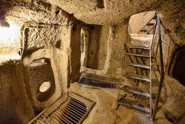 Inside Cu Chi Tunnels Vietnam Laos Tour 20 Days