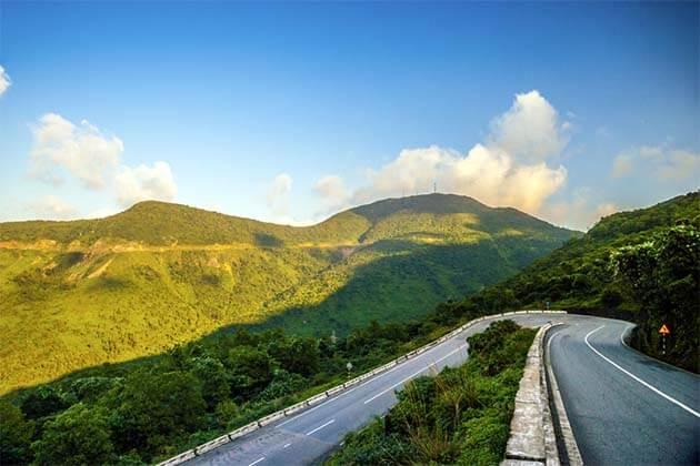 Mountain Coastal Road to Hue