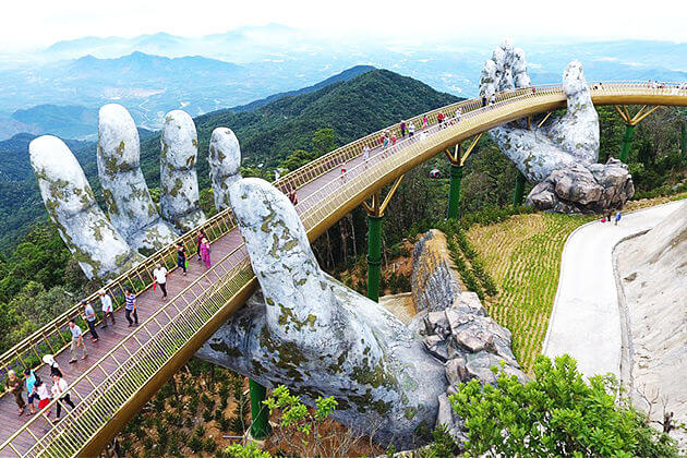 golden bridge danang
