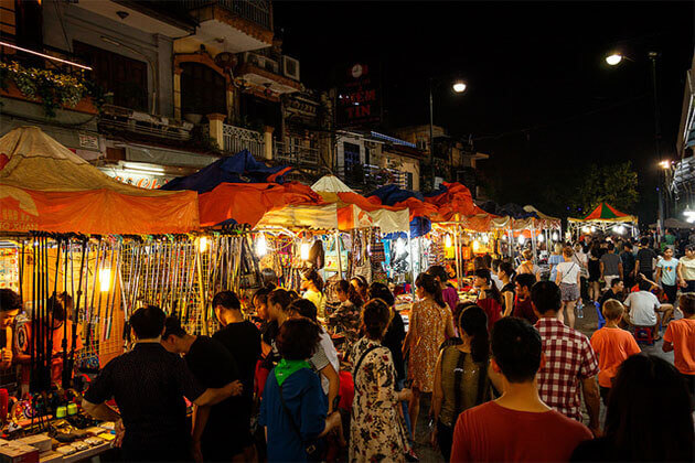 night market hanoi old quarter indochina itinerary 4 weeks