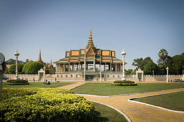 royal palacae cambodia vietnam laos 4 week holiday