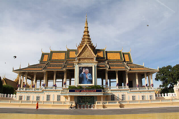 royal palace phnom penh best places to visit for indochina first timers