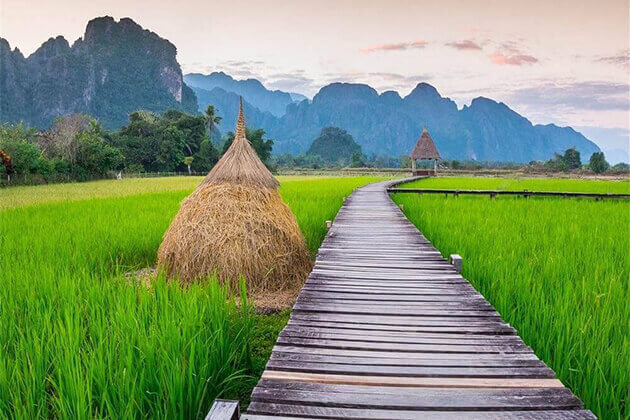 vang vieng laos best time to visit indochina