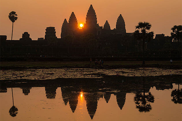view sunsrise over angkor wat cambodia laos tours