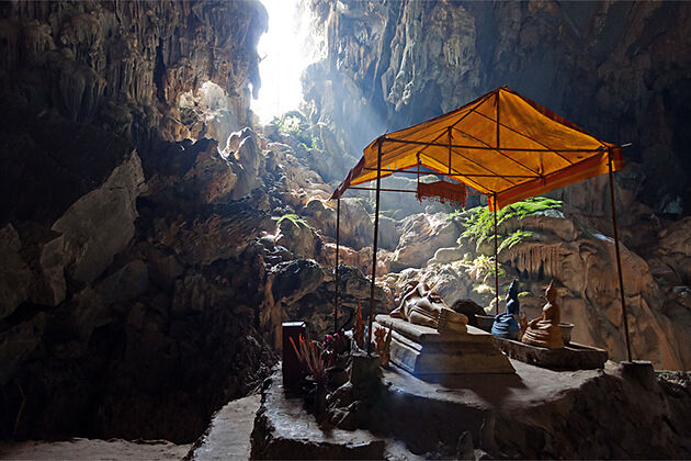Buddha Statues in Tham Phoukham Caves