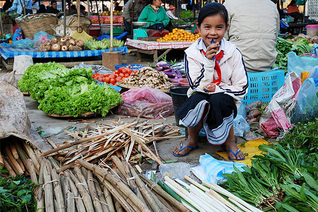 KM52 Market Vang Vieng - Like a Local in Cambodia Vietnam Laos