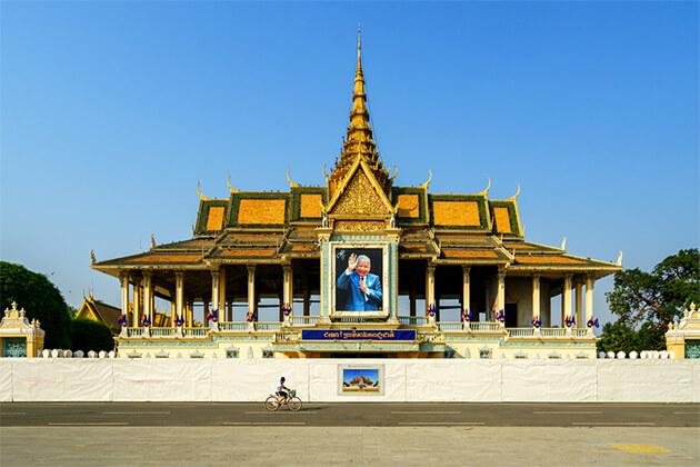 Royal Palace Phnom Penh Indochina Holiday Package 23 Days