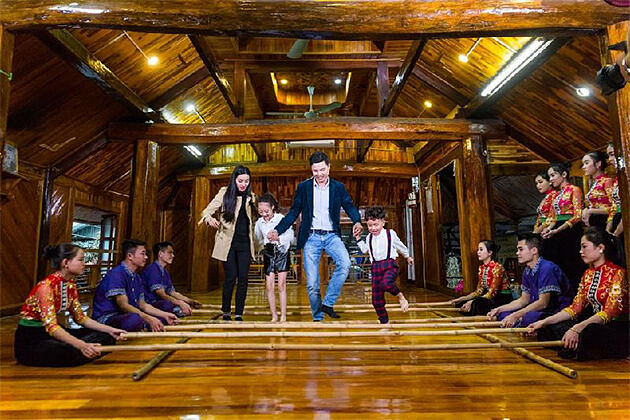 Traditional Dance Show in Mai Chau