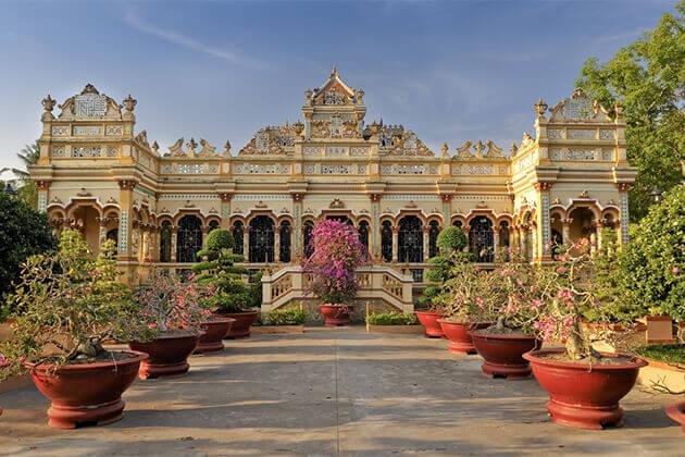 Vinh Trang Pagoda Tien Giang