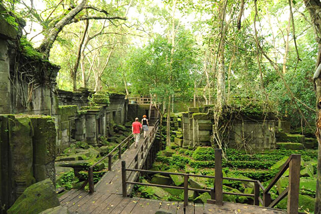 Beng Mealea in Cambodia - Indochina Tours 15 days