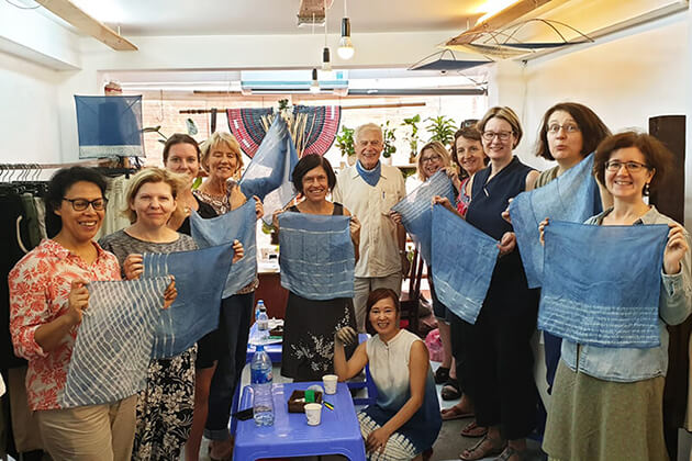 Happy customers with Hanoi Textile Tour