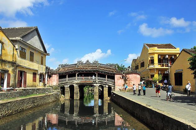 Hoi An Japanese Bridge discovery from Vietnam thailand tour