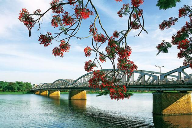 Perfume River- ideal destination in Viet Cambodia tour