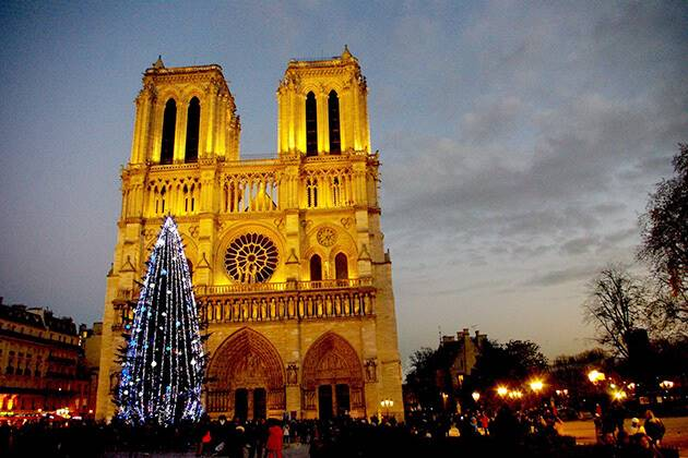 Experience Christmas in Notre-Dame Cathedral